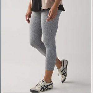 LULULEMON WUNDER UNDER CROPS HEATHER GREY
